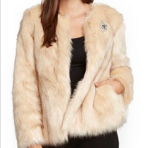 WILLOW & CLAY Faux Fur ivory Jacket